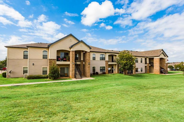 High Meadow Apartments - Durant, OK