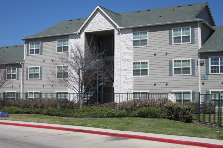 Willow Lakes Apartments